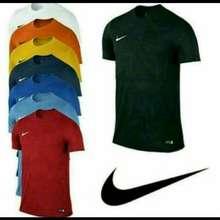 Nike Atasan pria t-shirt kaos oblong Nike simple M L XL XXL keren murah