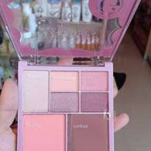 Madame Gie Madamegie To Go Palet Praktis Dengan 4 Tools Berbeda Yaitu Eyeshadow, Highlight, Blush On , Contour